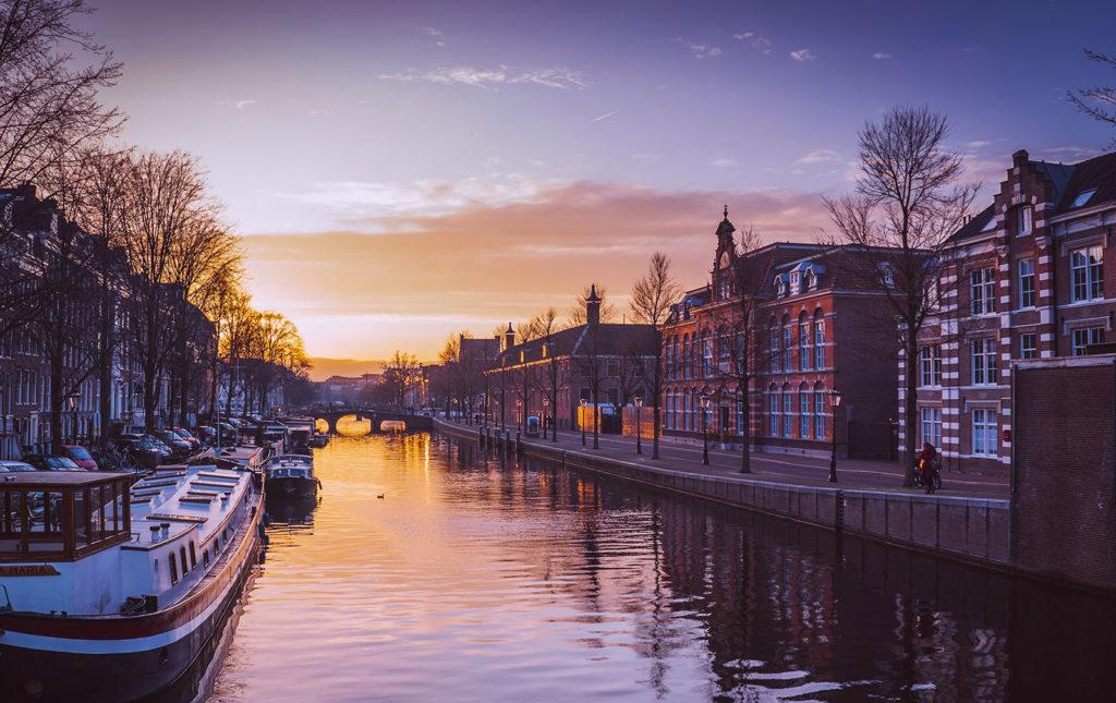 D:xampphtdocswp-wilcity/wp-content/uploads/2018/08/Amsterdam_1_b